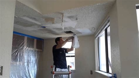 How to scrape popcorn ceilings quickly - YouTube